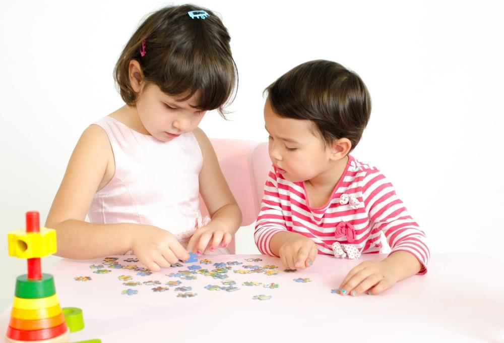 6 Benefits of Playing Puzzle for Little One's Intelligence