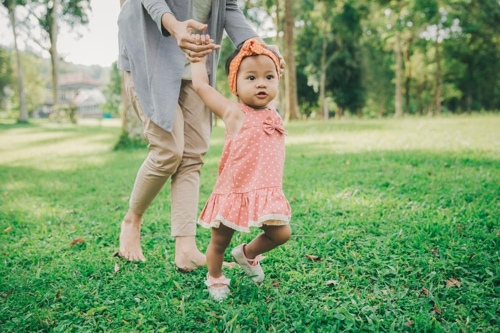 Train Your Little One to Walk Since 6 Months of Age